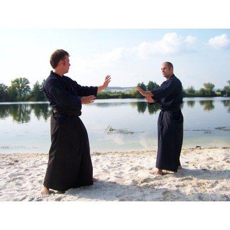 hakama-tradicional-en-65-poliester-35-rayon